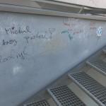 nápisy na budově (1)